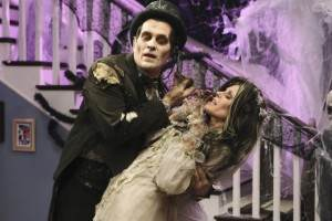 Modern Family 2.05 Halloween Review