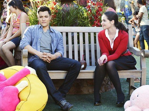 Switched At Birth Sneak Peek Can Bay Help Save Maui