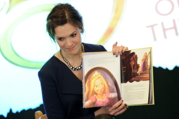 """Mandy Moore & Zachary Levi Promote """"Tangled"""" At The Disney Store"""