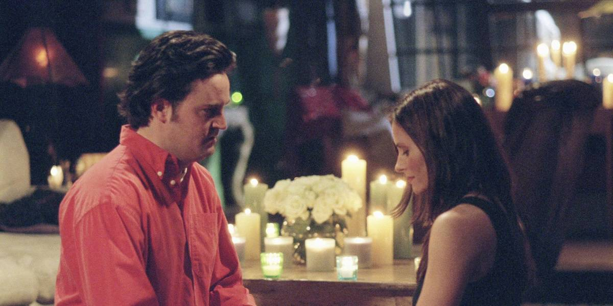 """FRIENDS -- """"The One With The Proposal Part II"""" -- Episode 25 -- Aired 05/18/2000 -- Pictured: (l-r) Matthew Perry as Chandler Bing, Courteney Cox as Monica Geller -- Photo by: NBCU Photo Bank"""