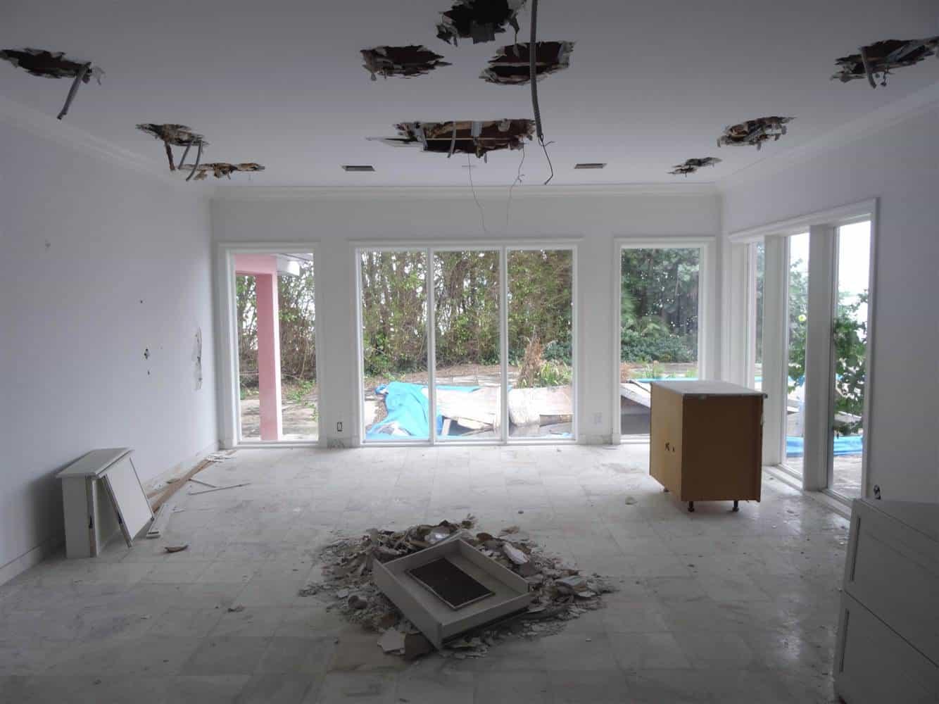 I Hope Netflixu0027s Narcos Covers Pablo Escobaru0027s Miami Beach Mansion Biting  The Dust