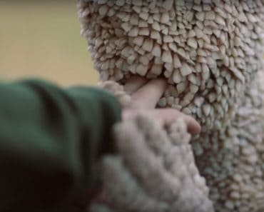 """Channel Zero: Candle Cove, """"I'll Hold Your Hand"""""""