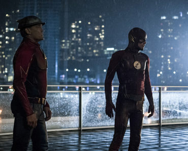 """The Flash Season 3 Episode 9 Review: """"The Present"""""""