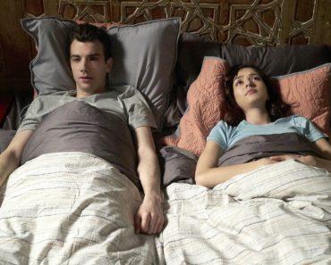 "Man Seeking Woman Season 3 Episode 7 Review: ""Bagel"""