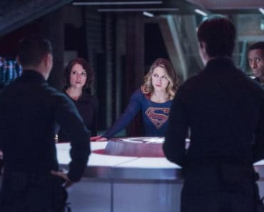 """Supergirl Season 2 Episode 11 Review: """"The Martian Chronicles"""""""