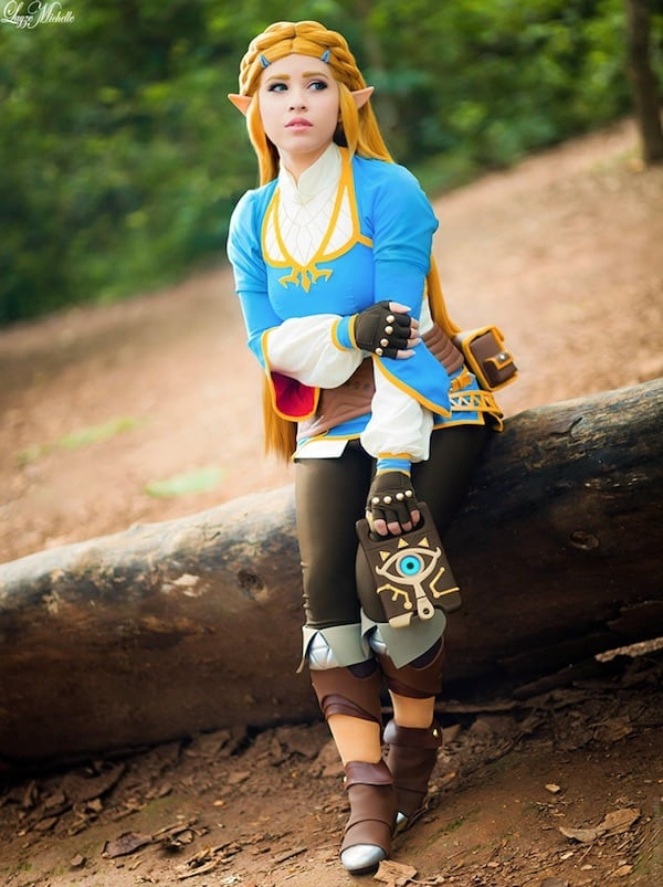 Highly Accurate Breath Of The Wild Princess Zelda Cosplay