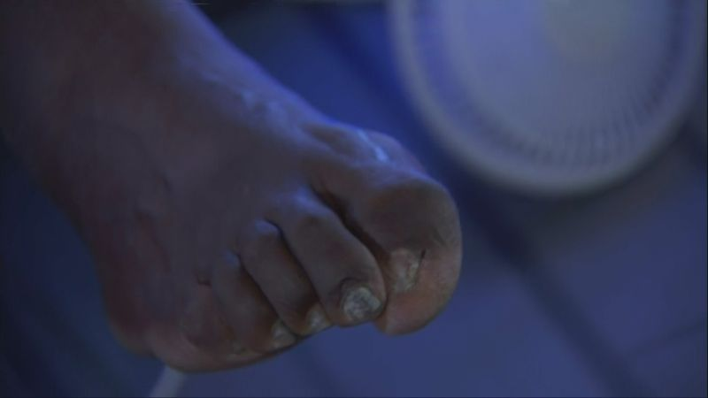 Shaq Whips Out his Tough to Look at Monster Foot on Inside ...