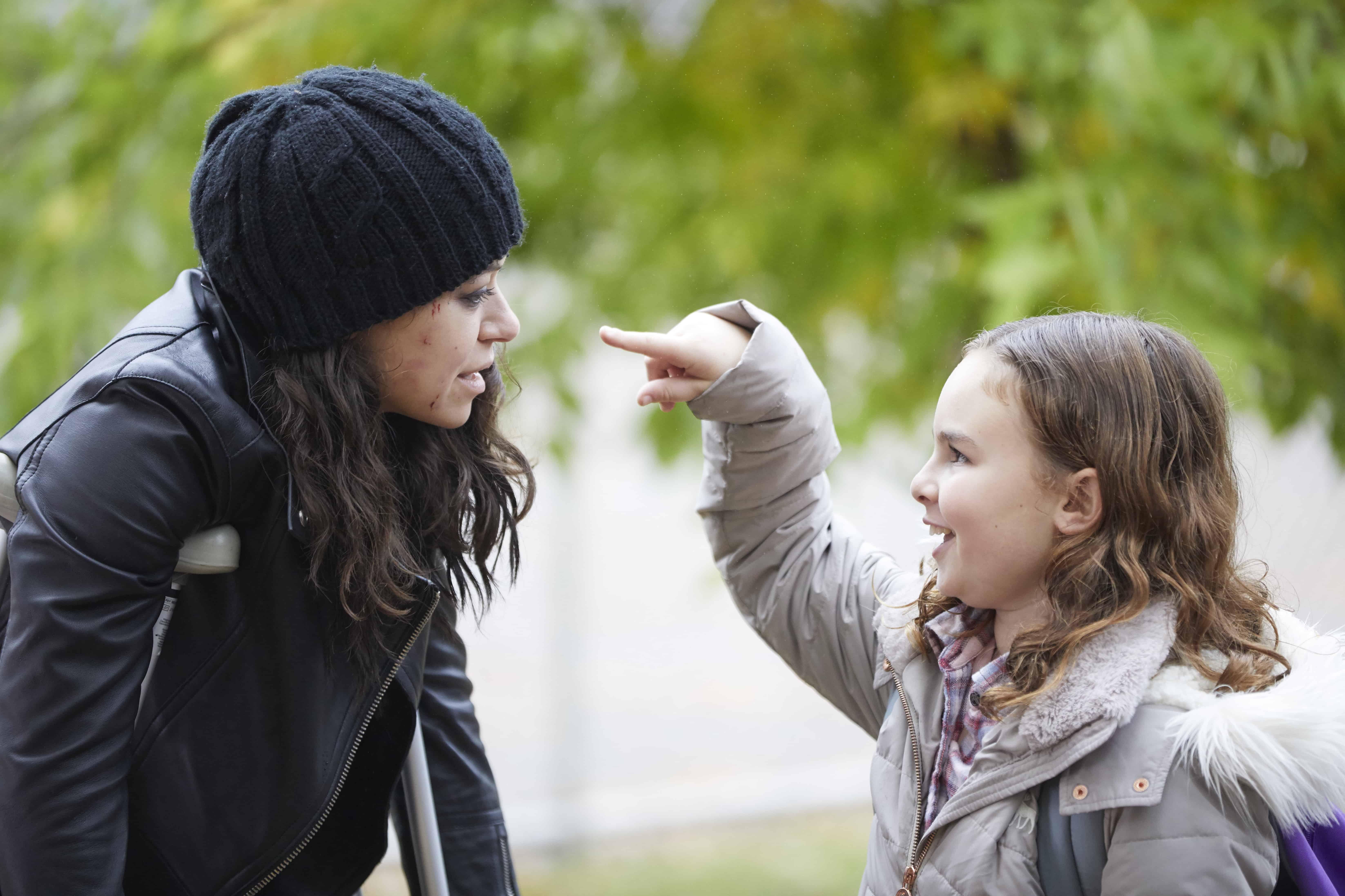 Orphan Black 5x02 Sarah and Kira