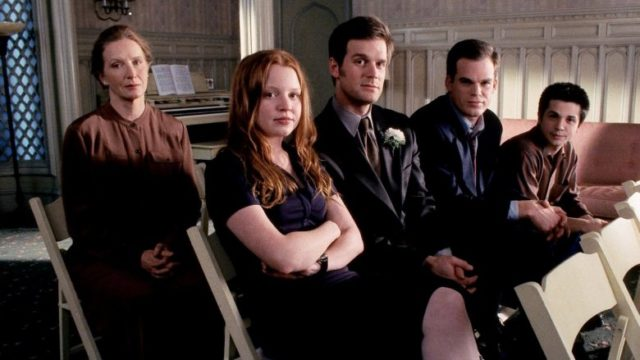 Heres What The Cast Of Six Feet Under Looks Like Today