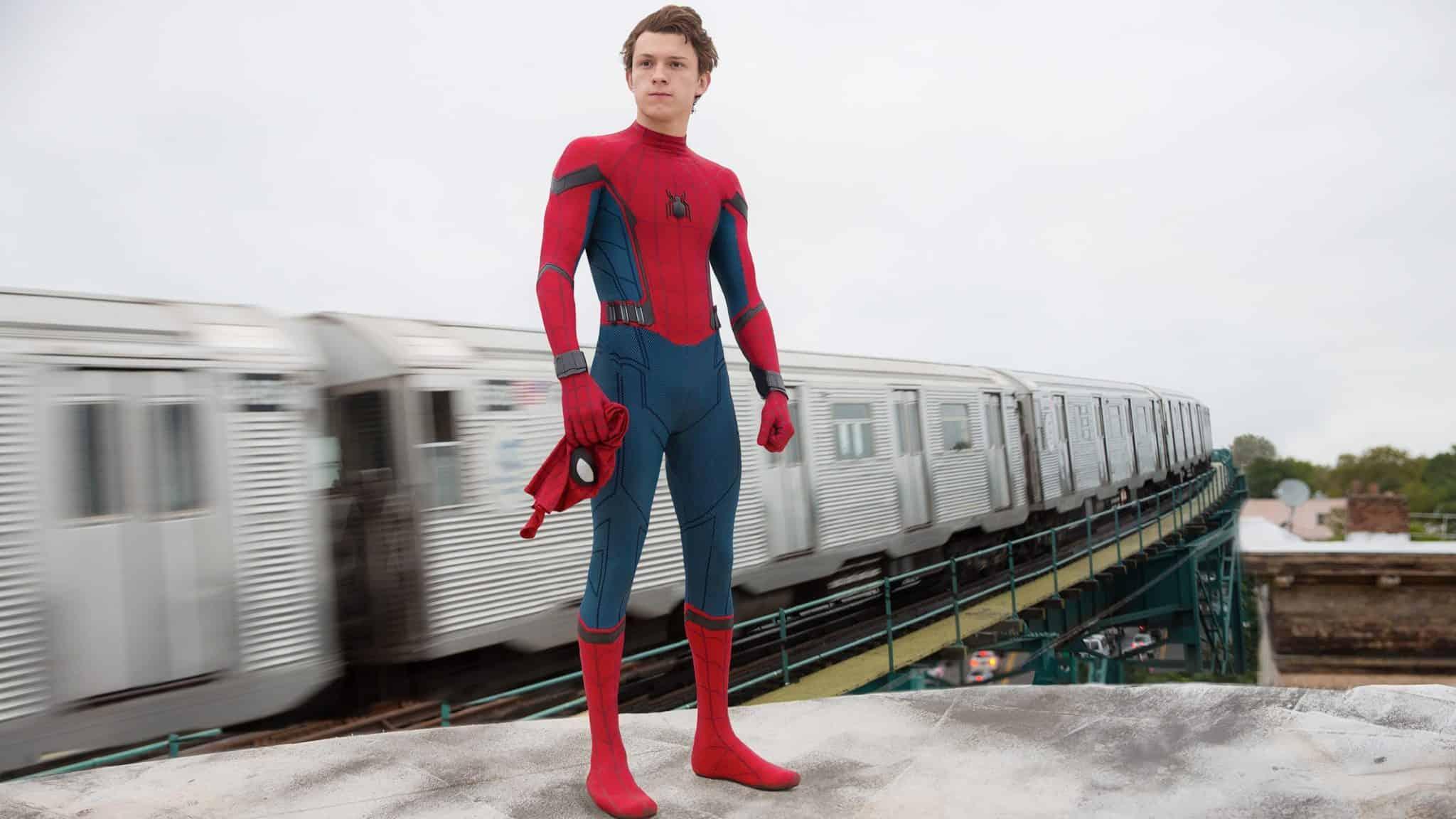 Hasil gambar untuk tom holland spiderman
