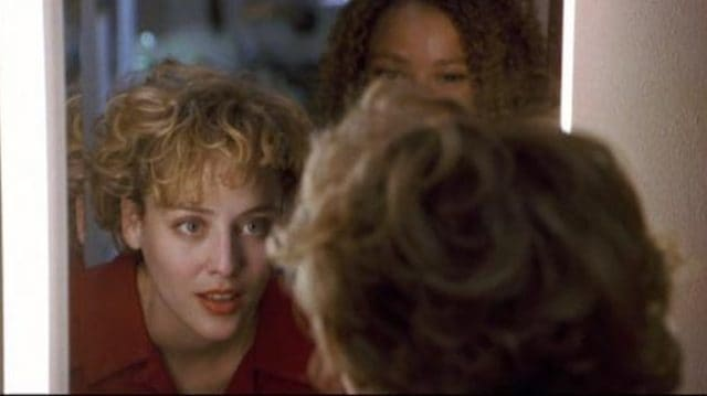 """Five Scary """"Bathroom Mirror"""" Scenes in Movies"""