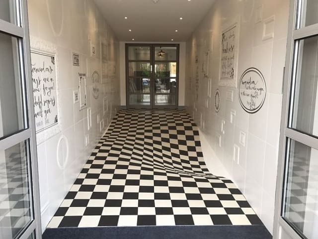 Amazing Optical Illusion Floor Tiles To Prevent People From Running