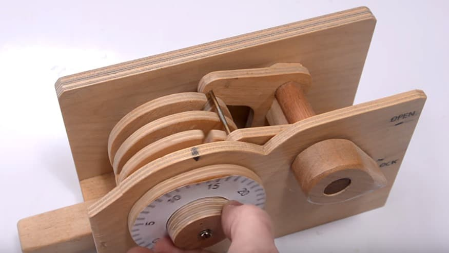 This Video Explains How A Combination Lock Works