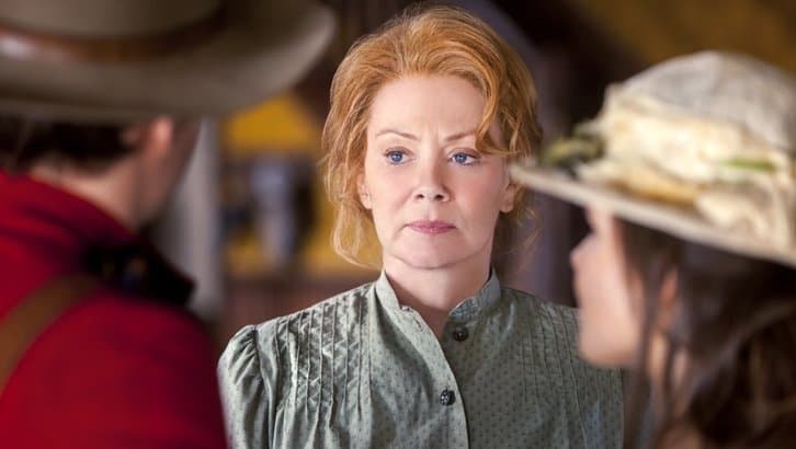 10 Things You Didn T Know About Jean Smart Jean smart was doing a publicity event with fargo creator noah hawley when he casually mentioned he might in honor of her latest television transformation, we asked smart to take us through some she met her husband, actor richard gilliland — who played j.d. 10 things you didn t know about jean smart